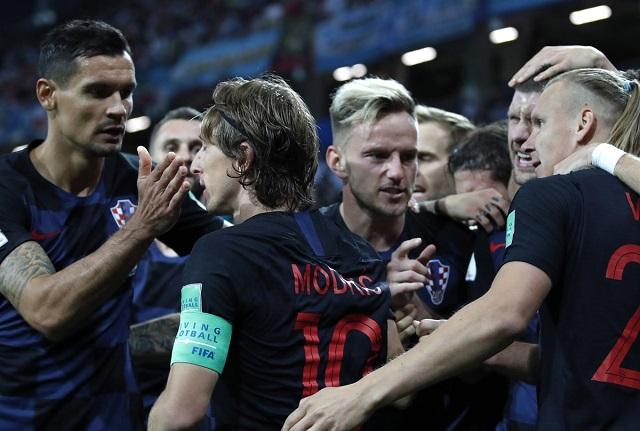 Croacia humilla a Argentina con contundente 3-0 y casi la elimina