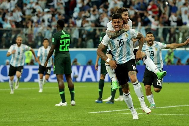 Argentina dobla a Nigeria, califica y va contra Francia en octavos de final