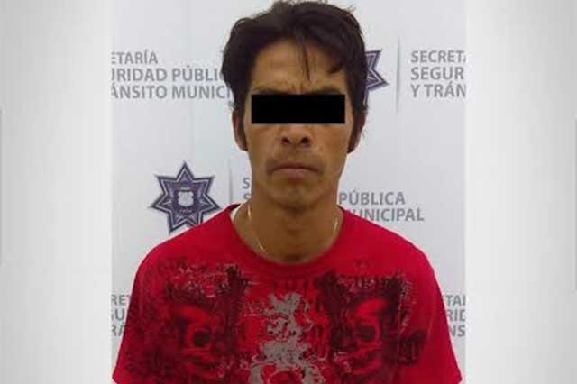 Detienen a hombre armado en Prados Agua Azul