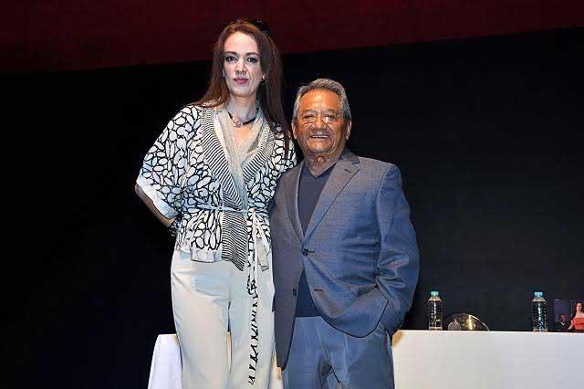 Armando Manzanero se incomoda por preguntas sobre Juan Gabriel