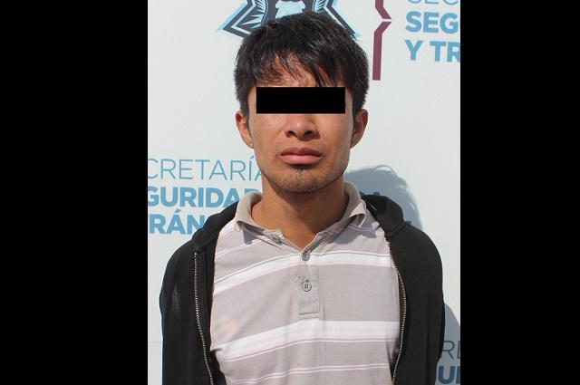 Detuvo SSC de Puebla a asaltante de tienda Oxxo
