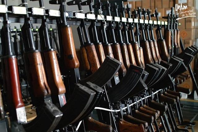 Ingresan a México 2 mil armas diarias provenientes de EU