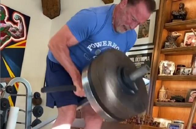 Arnold Schwarzenegger se ejercita al ritmo de Taylor Swift