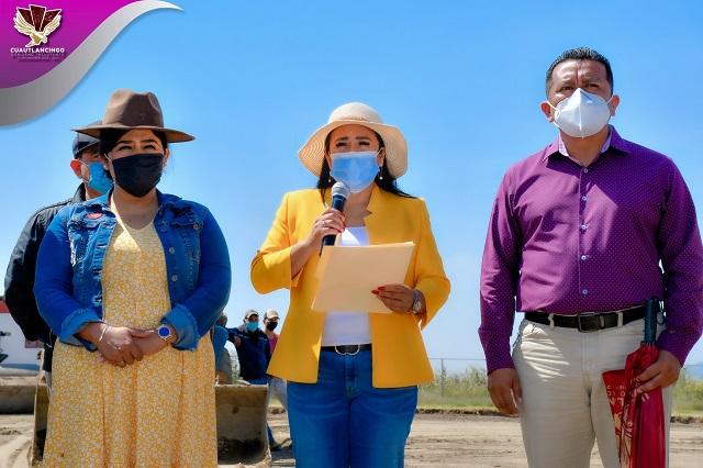 Ayuntamiento de Cuautlancingo construirá una cancha de fútbol profesional