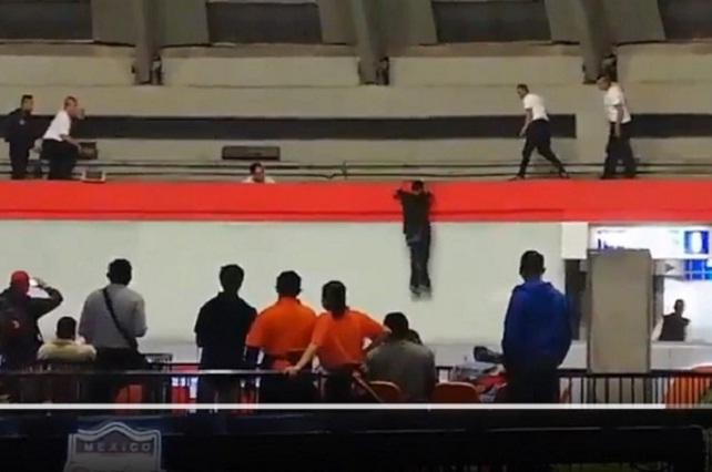 Sujeto se arroja de cúpula de la TAPO #VIDEO