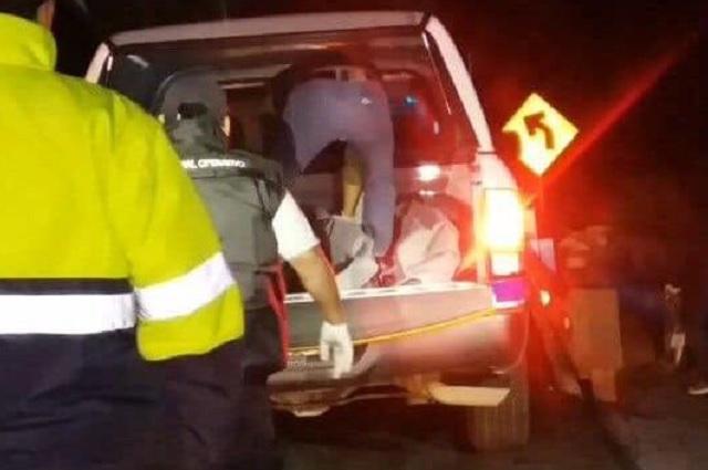 Arrojan tres cuerpos de hombres en la autopista Amozoc-Perote