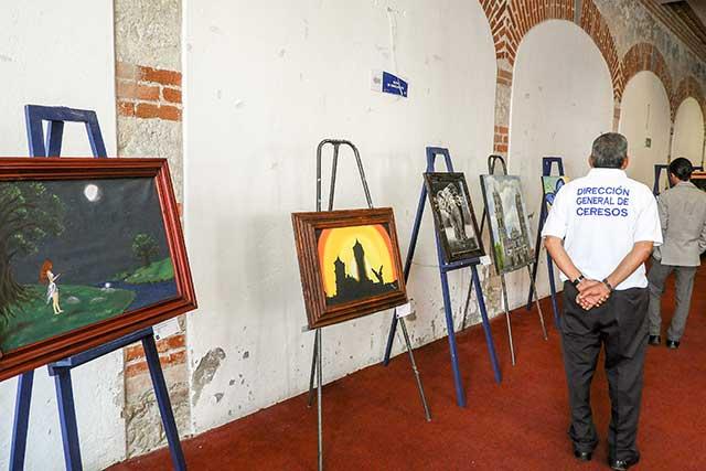 Promueven obras de arte elaboradas en los Ceresos de Puebla