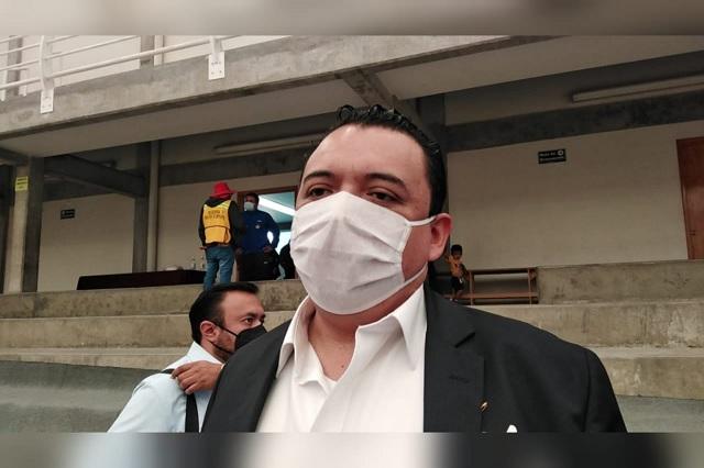 Directora de Ingresos de Tehuacán se fue por nepotismo: Artemio Caballero