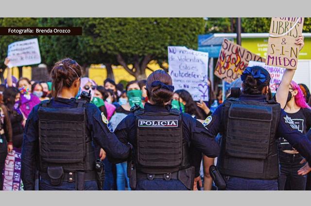 Protestaban contra abusos de la policía y fueron detenidas, en León