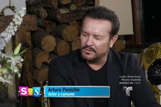 Actor confesó lo mal que la pasó al besar a Thalía y su venganza