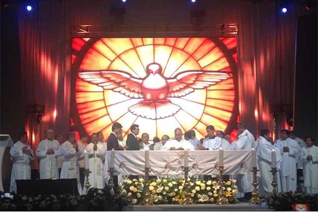 Llama arzobispo a defender a la familia en la entidad