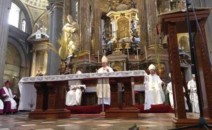 Se reorganiza catolicismo poblano para pagar impuestos