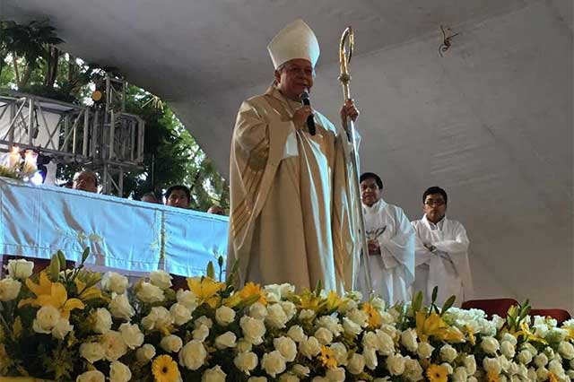 Pide arzobispo programas concretos para reducir accidentes viales