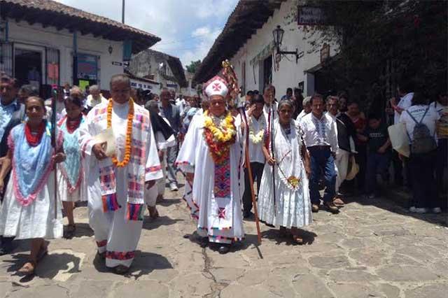 Coordina arzobispo de Puebla misas que encabezará el Papa