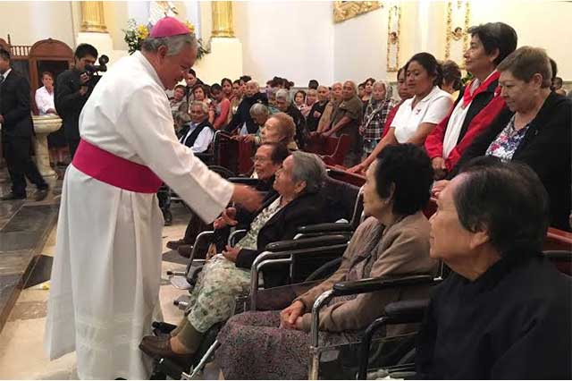 Vista arzobispo Sánchez Espinoza reos y enfermos en Tecamachalco