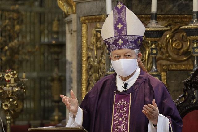 Pide arzobispo de Puebla no salir de casa y evitar Covid
