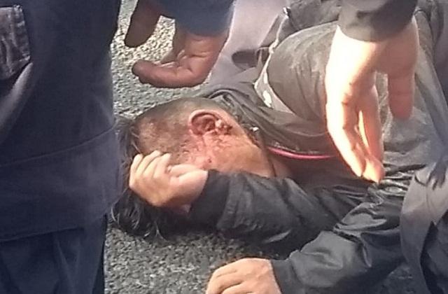 Golpean supuesto ladrón hasta convulsionarse al sur de Puebla