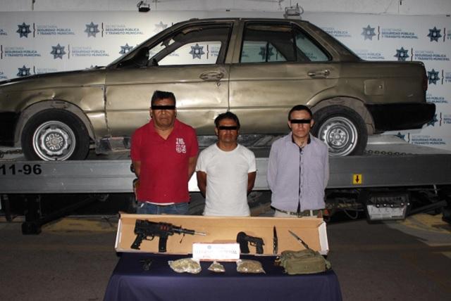 Detuvieron en Puebla a tres probables asaltantes del Starbucks