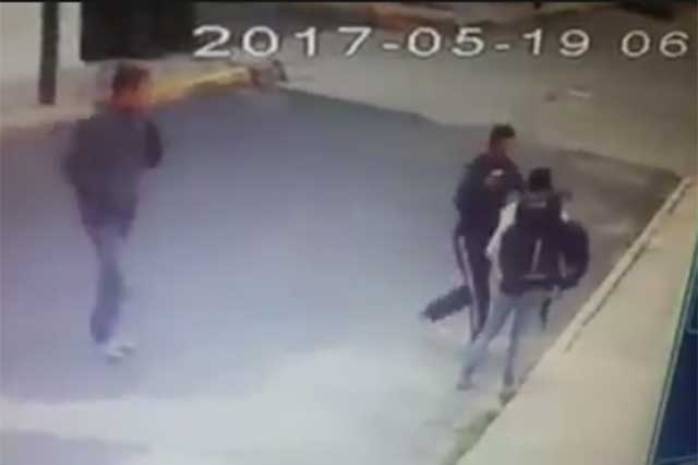 VIDEO: Hombres armados asaltan a estudiante cerca de Ciudad Universitaria