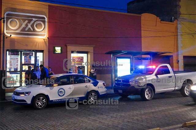 Lesionan al director de la Academia de Policía durante asalto a un Oxxo