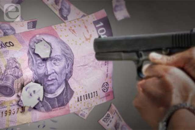 Despojan a dos mujeres de 20 mil pesos en centro de Tehuacán