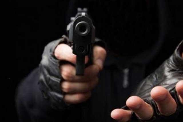 Detiene a dos asaltantes tras persecución al sur de Puebla