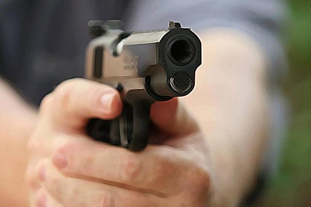 Hombres armados roban autos y joyas en casa de Castillotla