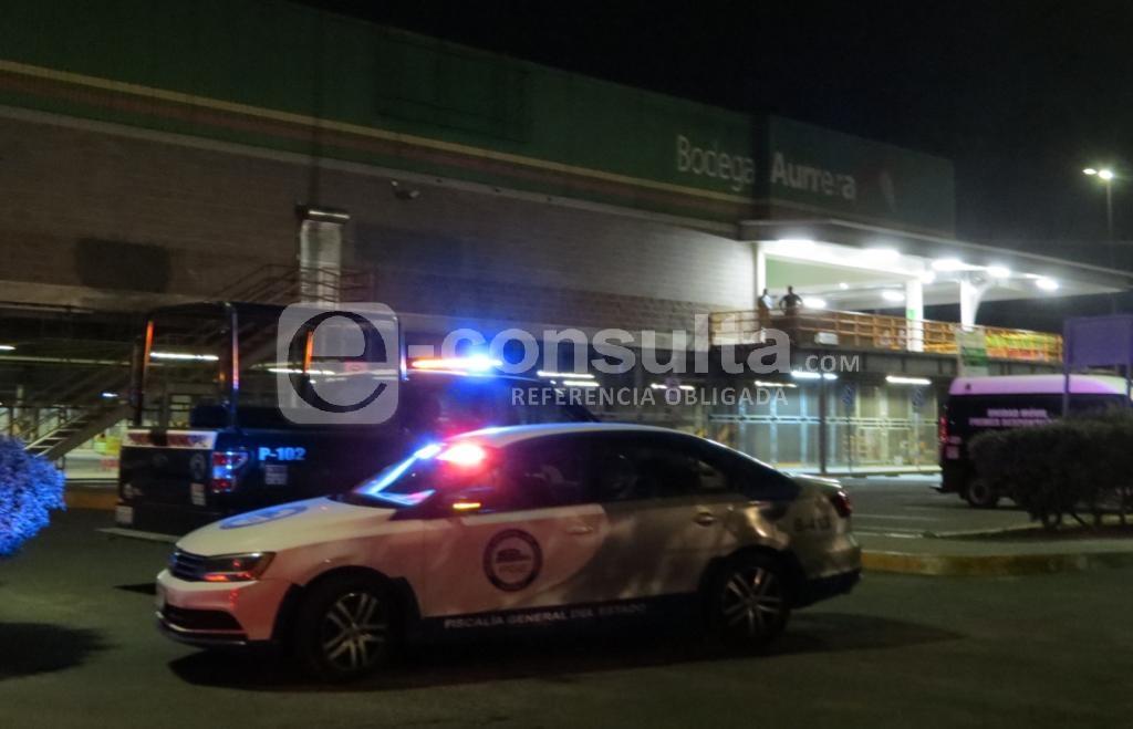 Balean a guardia y roban más de 25 MP en Bodega Aurrerá de Puebla