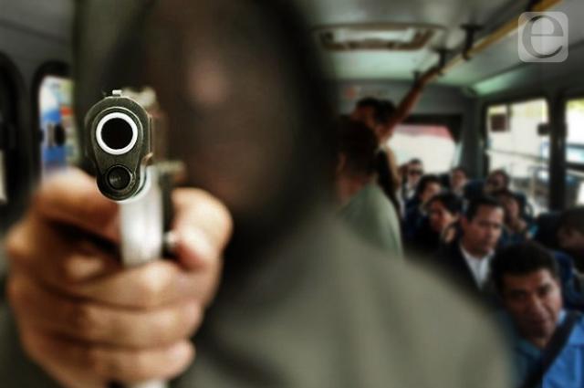Mañana de asaltos a transporte público en Puebla capital