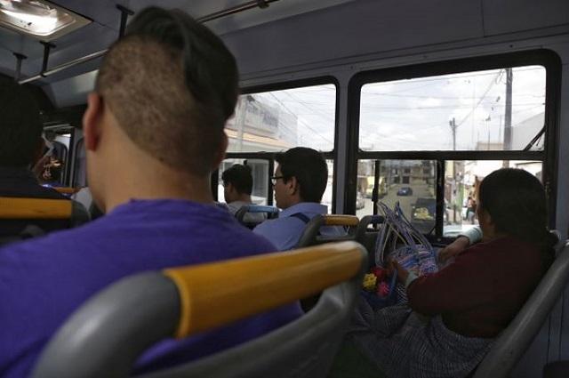 Asaltos en transporte público se denuncian en redes no en el MP