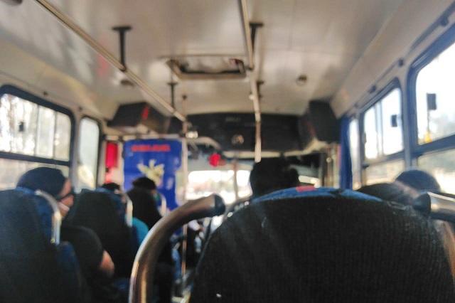 Asaltan transporte público en Texmelucan y hacen disparos