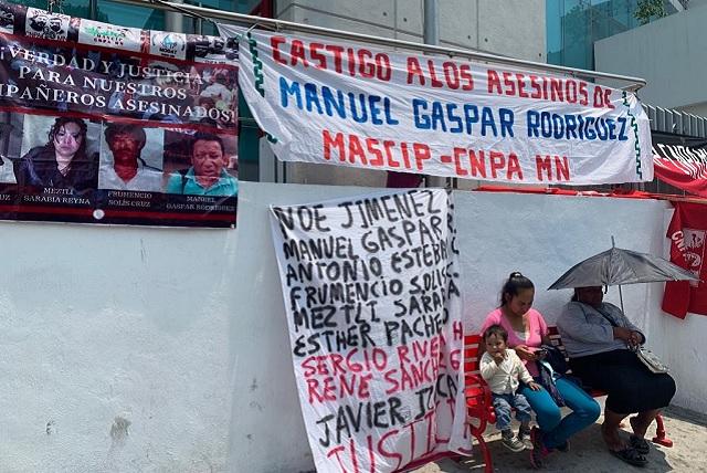 Con plantón frente a FGE exigen justicia para Manuel Gaspar
