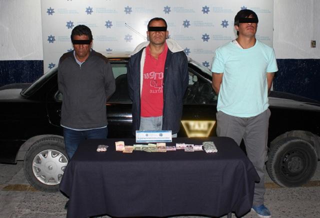 Detienen a cinco personas por robo a negocio en Puebla