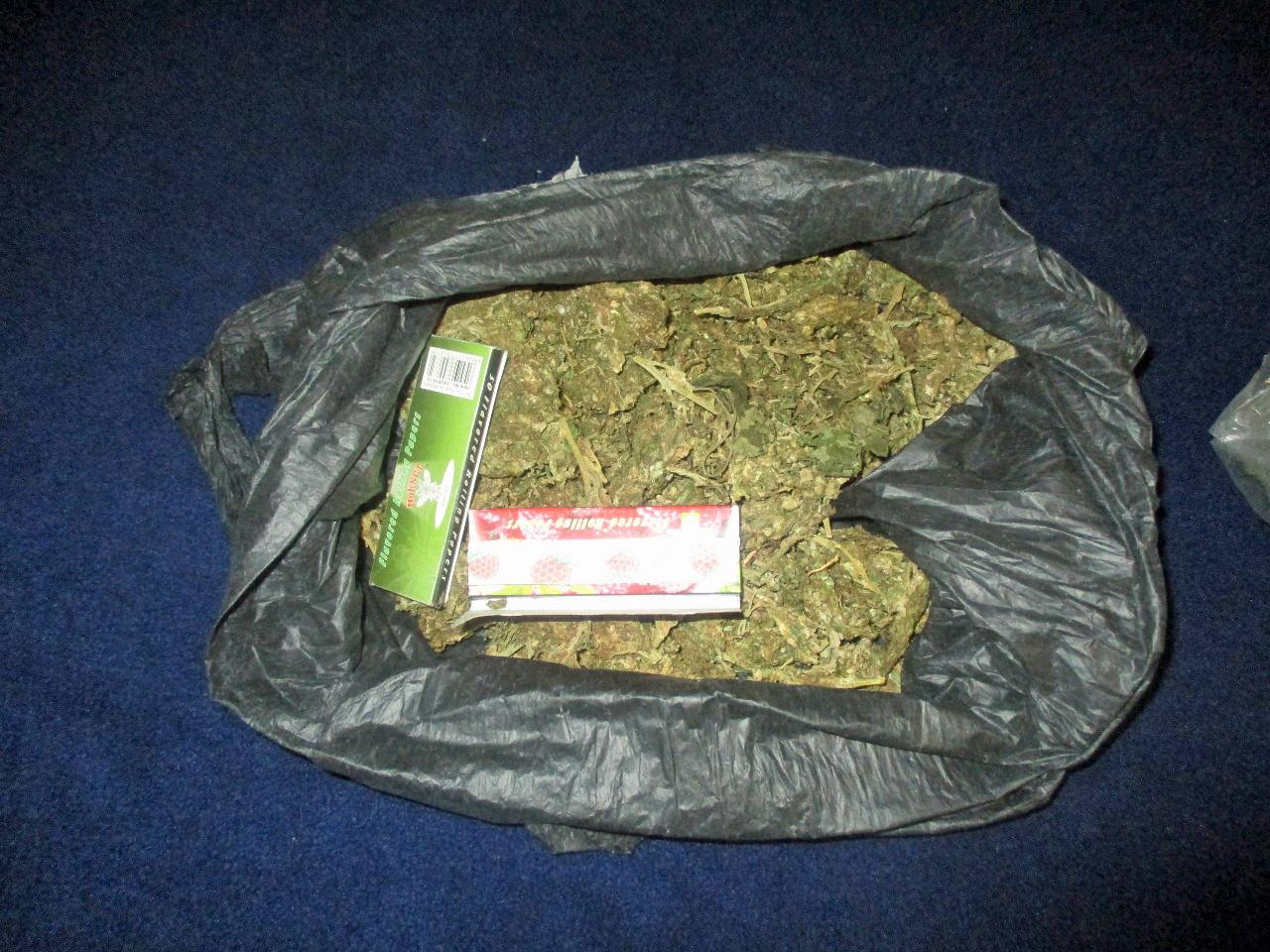 Asegura policía de San Pedro Cholula a sujeto con marihuana