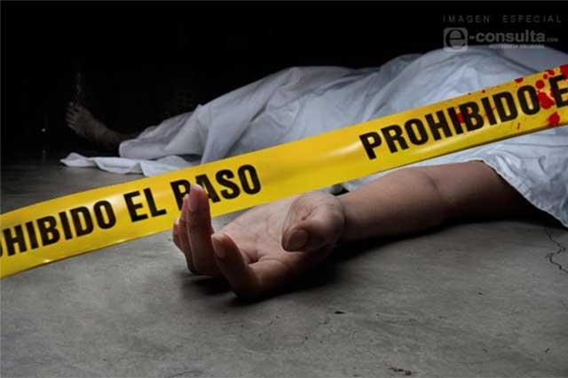 Pistoleros asesinan a dos policías municipales en Tlacotepec