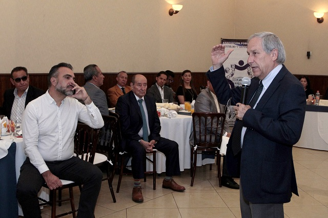 Cárdenas ve posible ratificar a Cañedo al frente de Turismo