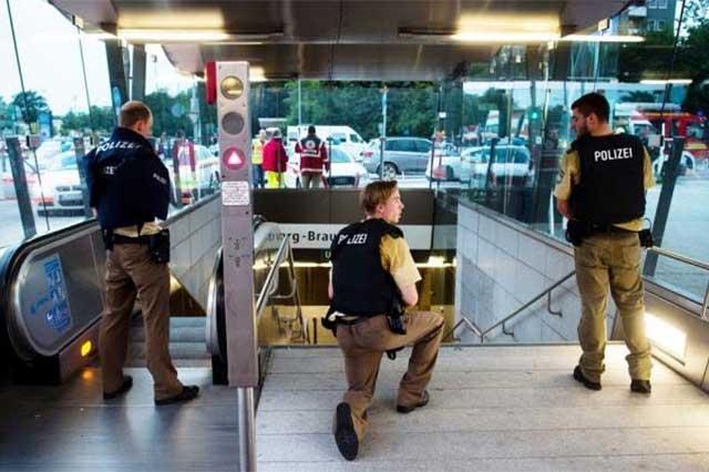Un atacante abre fuego en centro comercial alemán y mata a 15