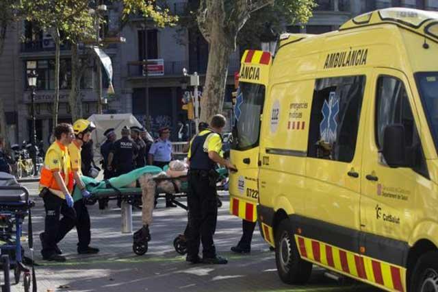 Ataque con furgoneta en Barcelona deja 13 muertos y 50 heridos