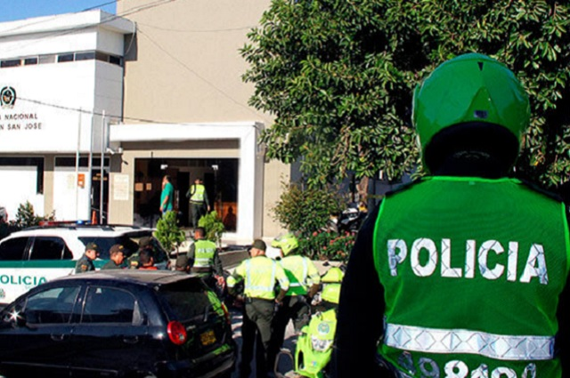 Ataque en estación de policía de Colombia deja un saldo de 3 muertos