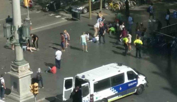 Identifican al sujeto que perpetró ataque con furgoneta en Barcelona