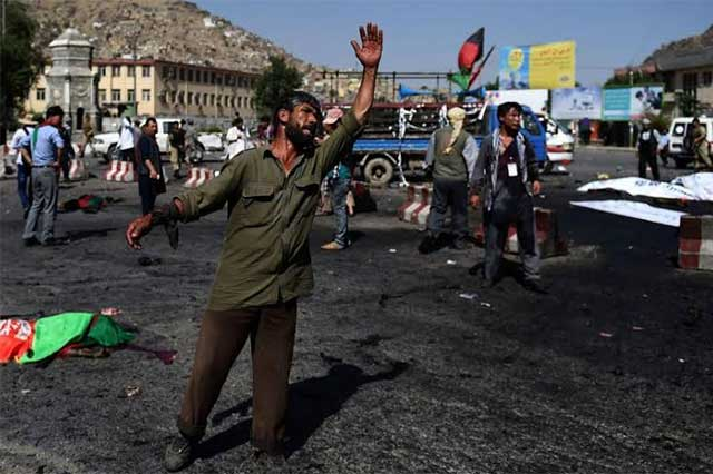Ataque suicida en Kabul deja un saldo de 61 muerto y 207 heridos