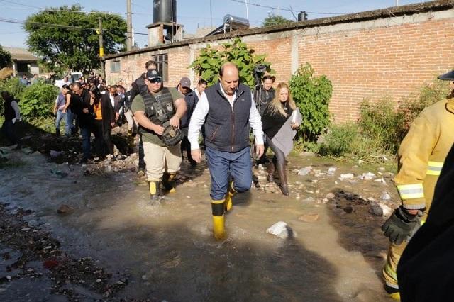 Atención integral a afectados por deslave, ofrece gobierno estatal