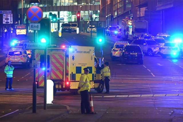 Un hombre detonó un artefacto en Manchester y provocó 22 muertes