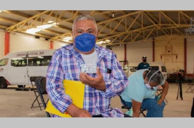 Adultos mayores de Tepeojuma se reencuentran con sus hijos migrantes