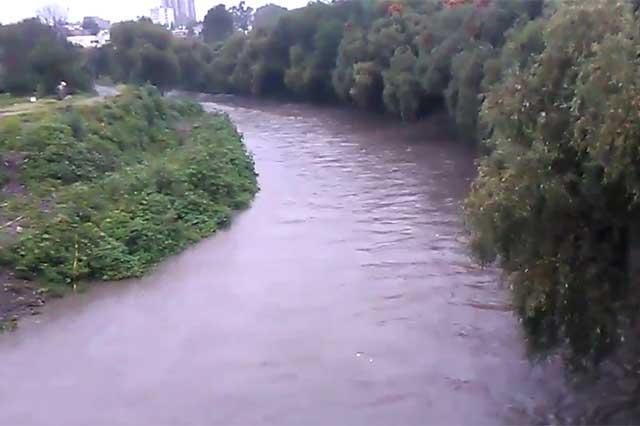 Río Atoyac está bajo control y no es riesgo para la población, señalan