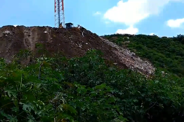 Agarran el Atoyac de tiradero en colonia antorchista en Puebla