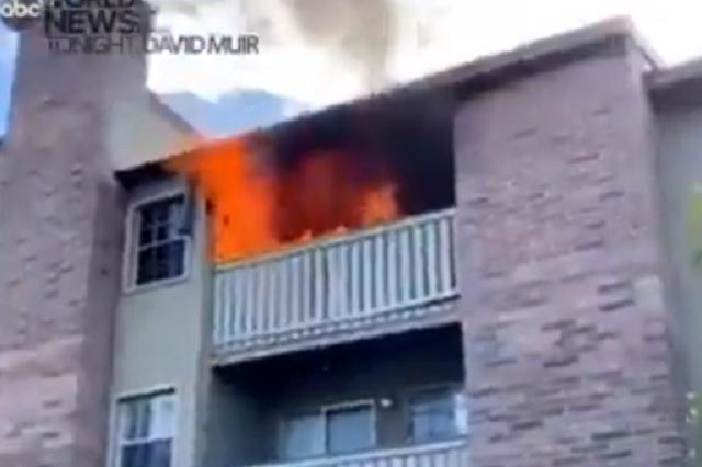 Arrojan a niño debido a incendio; exjugador de futbol americano logra atraparlo