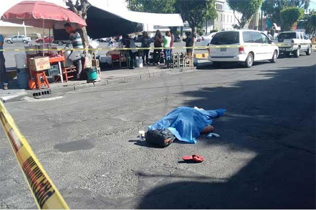 Muere mujer de la tercera edad atropellada por microbus