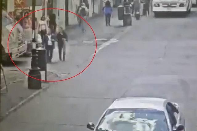 Así atropelló microbús de la Ruta 76 a madre e hija en Puebla