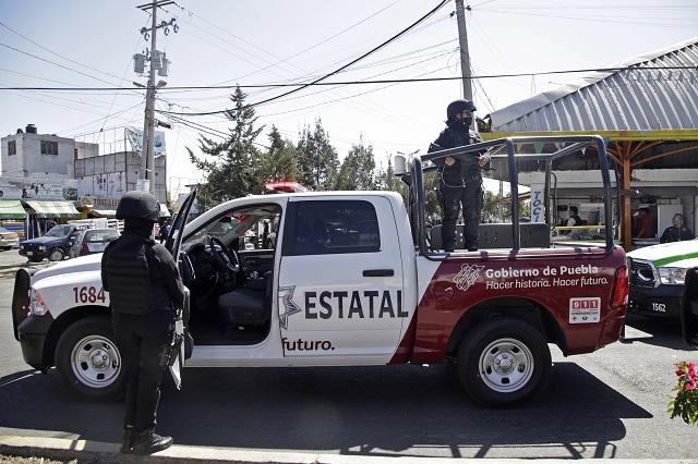 Evade revisión pero atropella a un policía estatal de Puebla